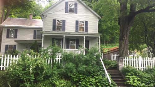 310 Fairview Terrace Front