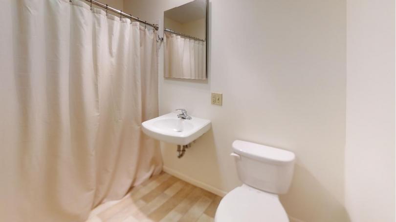 75-211 Bathroom