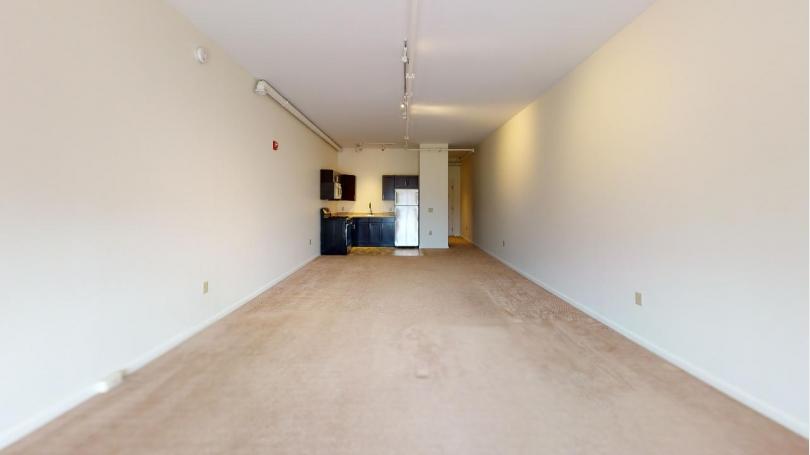 75-211 Interior 2