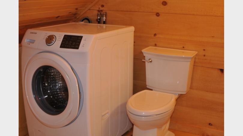 washer/toilet