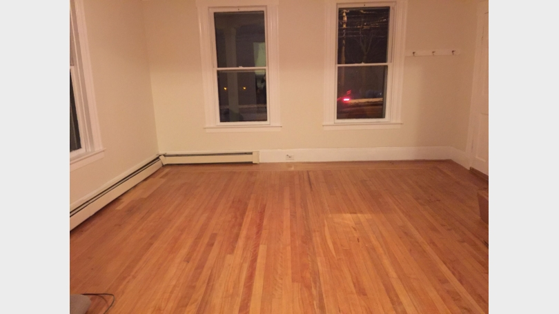 1st floor Apt - Livingroom
