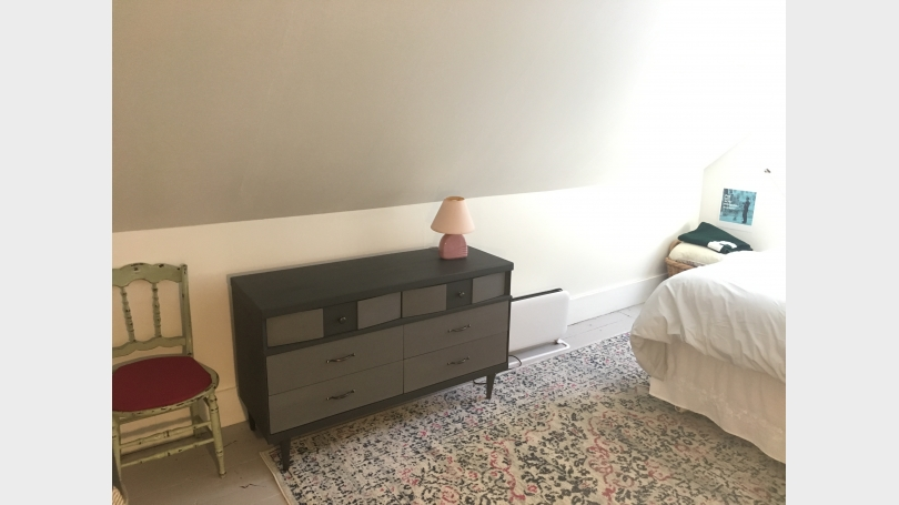 private bedroom, second angle