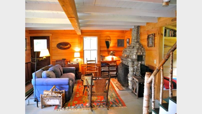 cottage lliving room