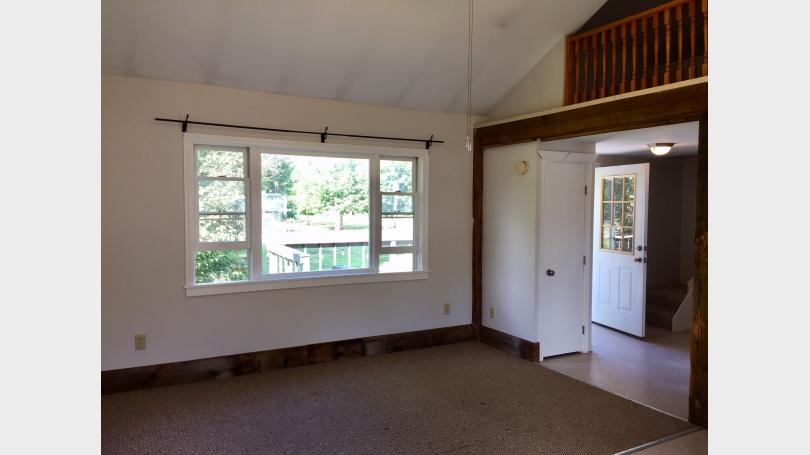 Living room north/bay window