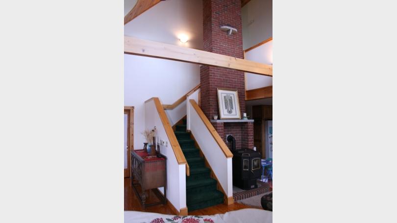 Main level stairway