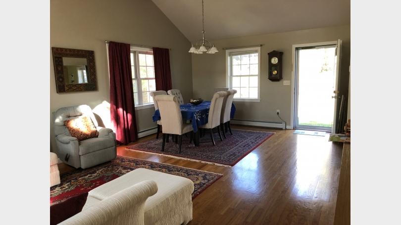 Main living room pic 2