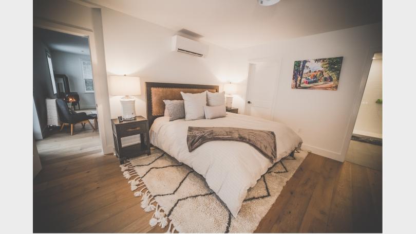 Master Bedroom with En-Suite Full Bathroom