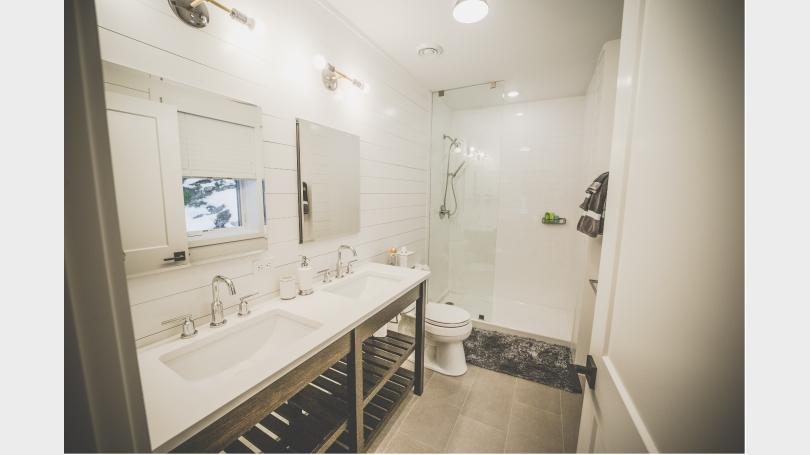 Brand New Clean Bright Master Bath