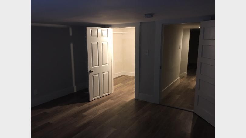 Apt 6 Bedroom with walk in closet