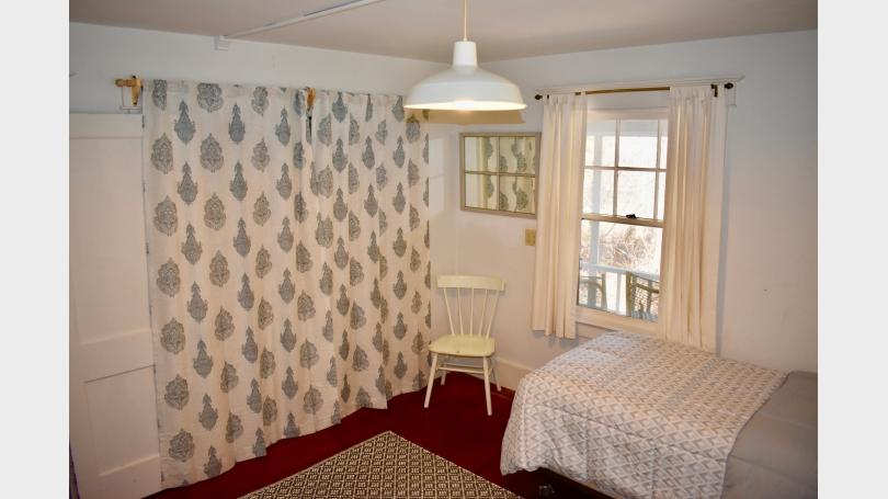 Twin bedroom ground floor